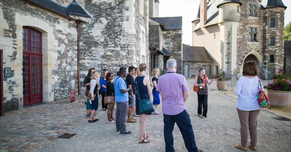 Visites guid es et greeters angers destination angers tourisme office de tourisme - Angers office du tourisme ...