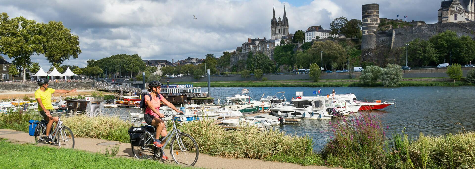 Cyclotouristes Cale de la Savatte pour la Vallée du Loir à vélo