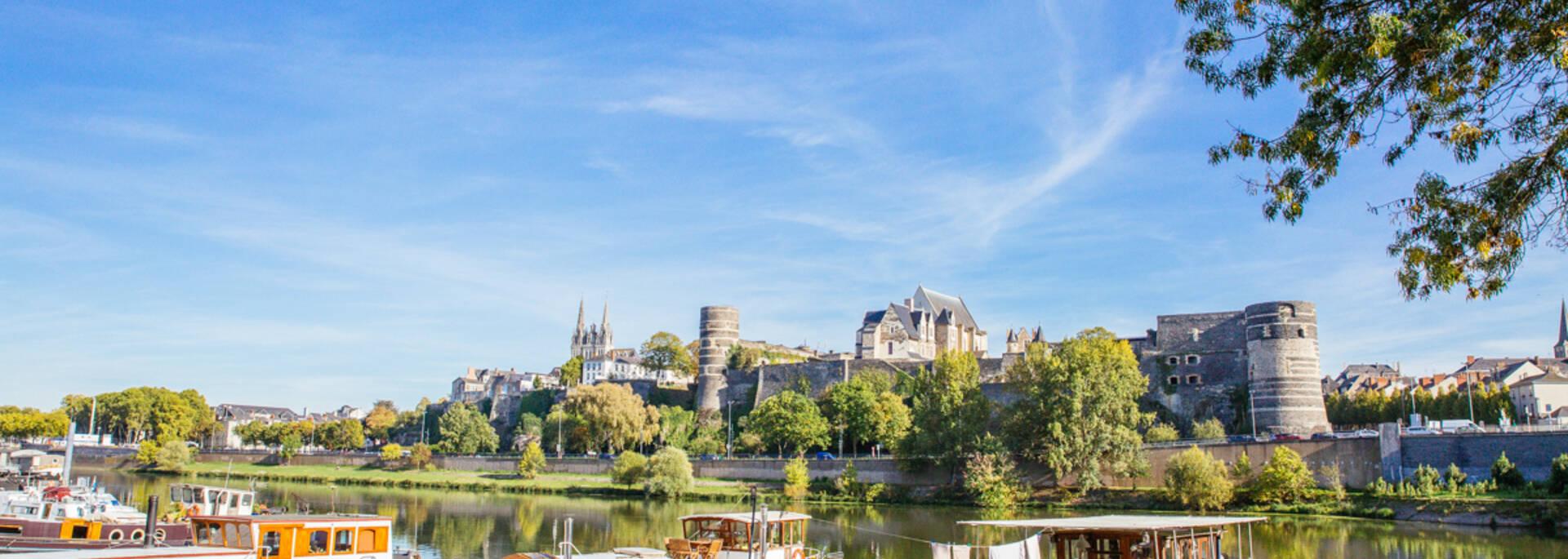 Our group deals to visit Angers © Les Conteurs