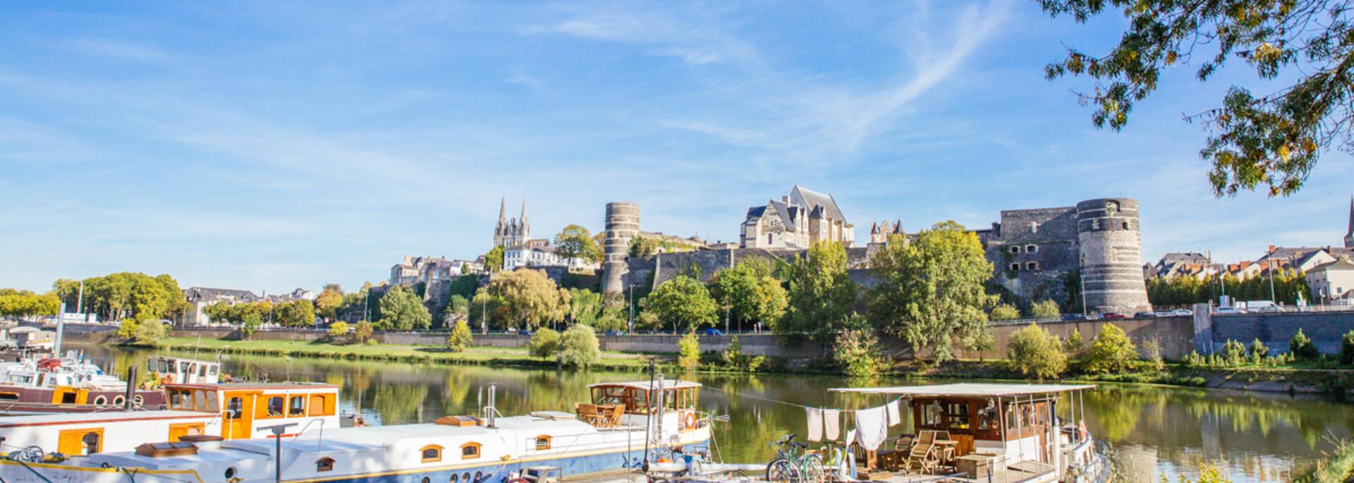 View on monuments in Angers, cale de la Savatte © Les Conteurs