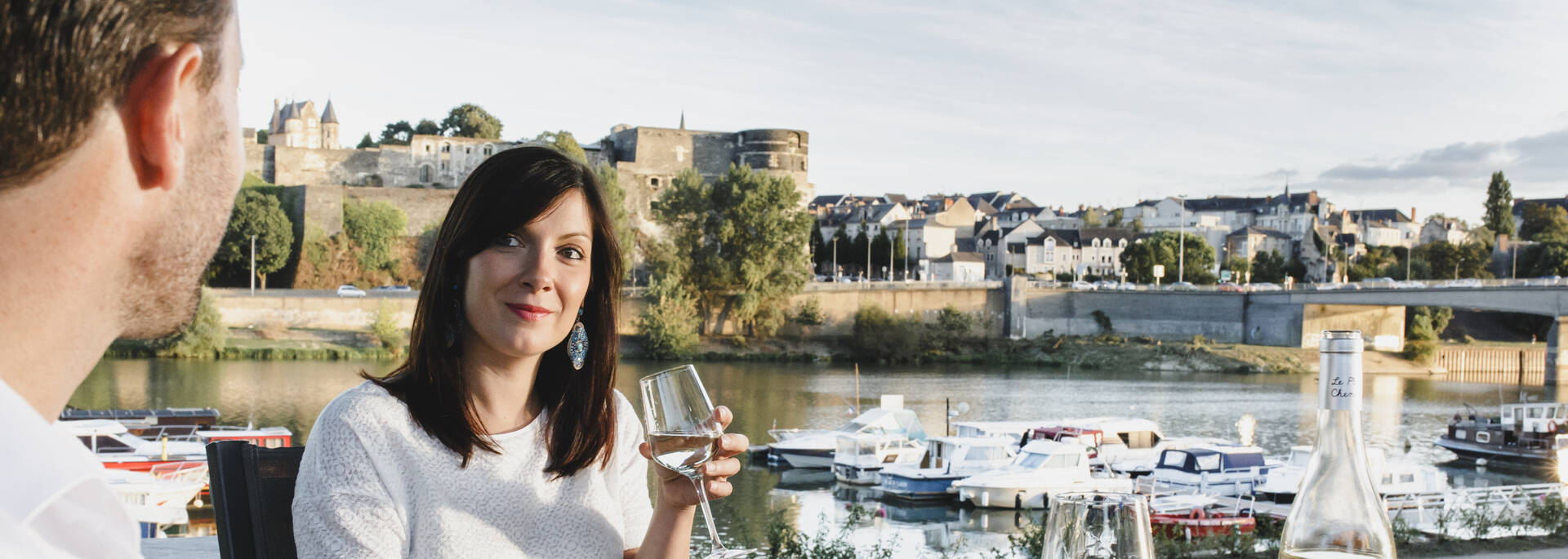 Apéro en bords de Maine, cale de la Savatte, le temps d'un week-end à deux à Angers © Jeremy Fiori