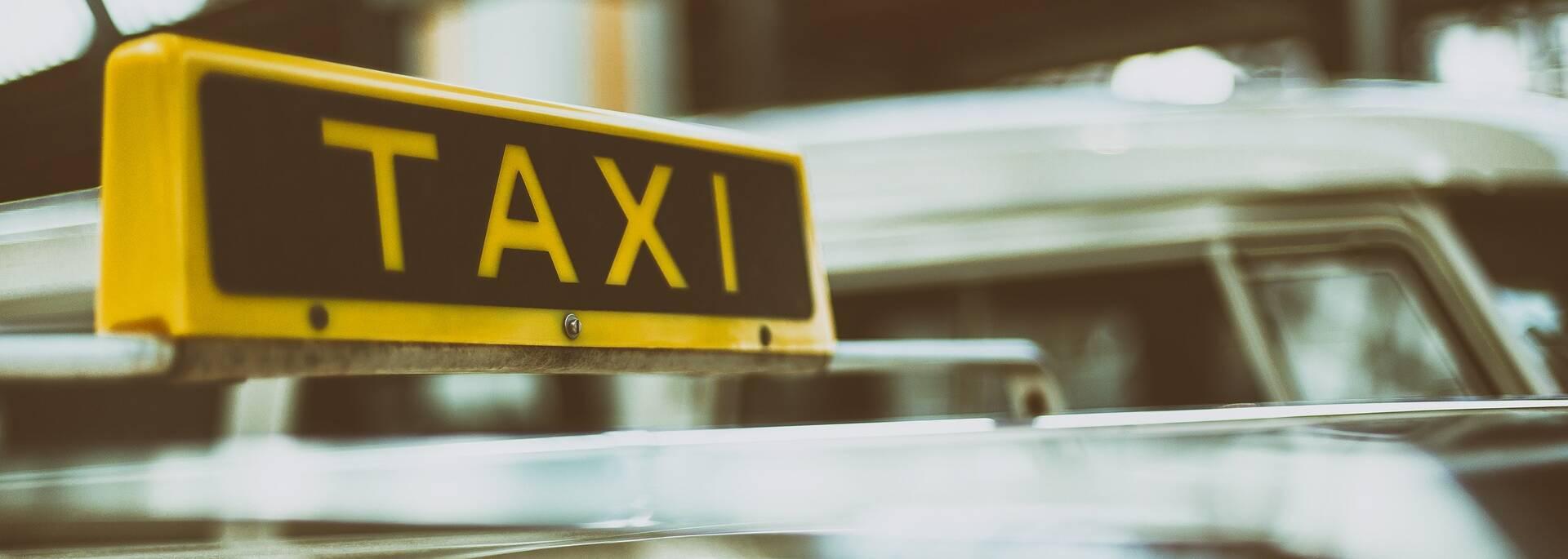Coger un taxi en Angers