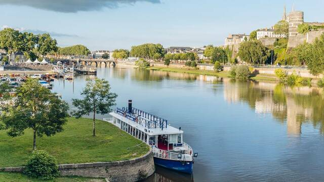 Angers, view of Maine during summer © Romain Bassenne