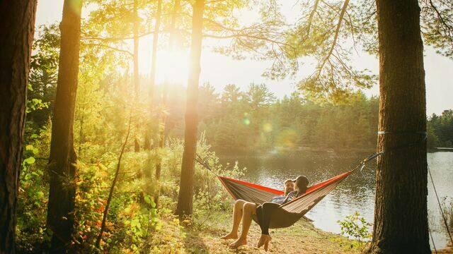 Camping à Angers © Esther Tuttle - Unsplash