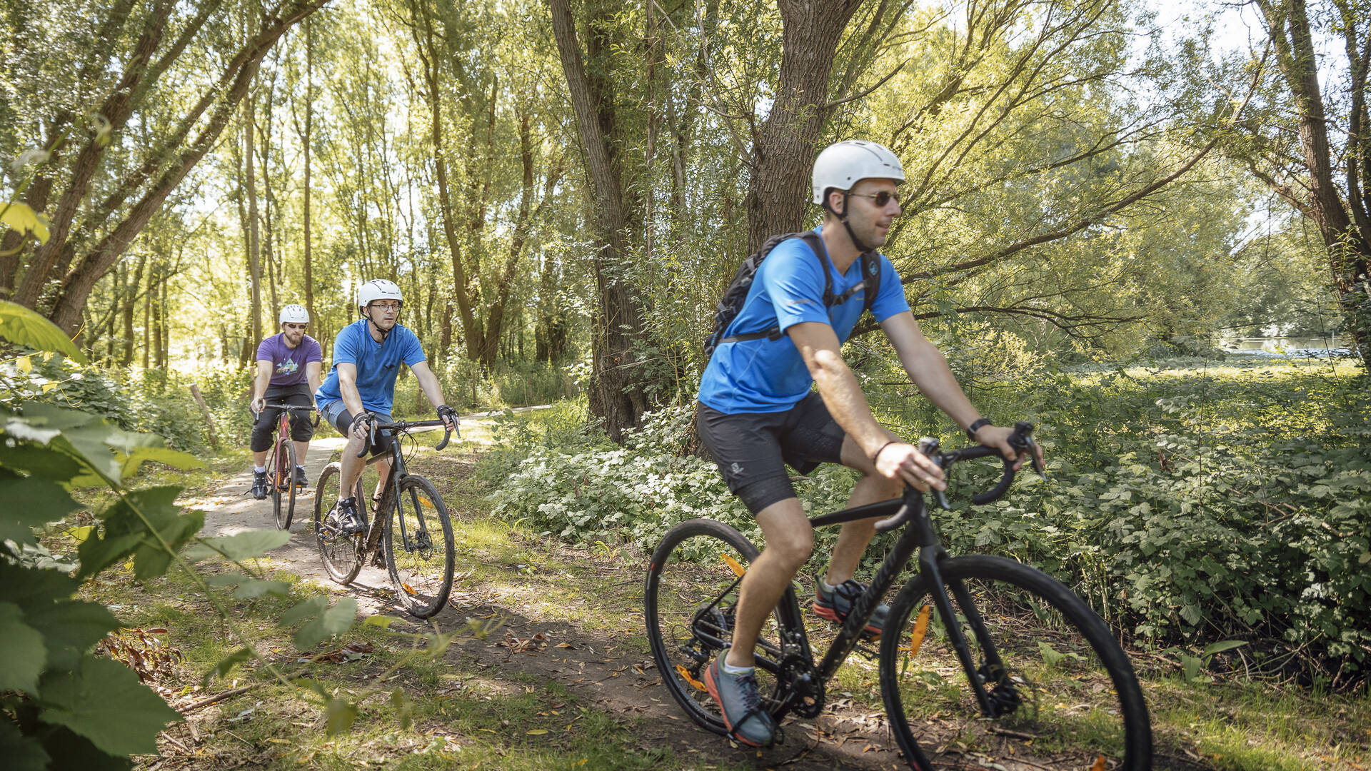 Cycliste en Gravel, Angers Gravel Tour dans les Basses Vallées Angevines