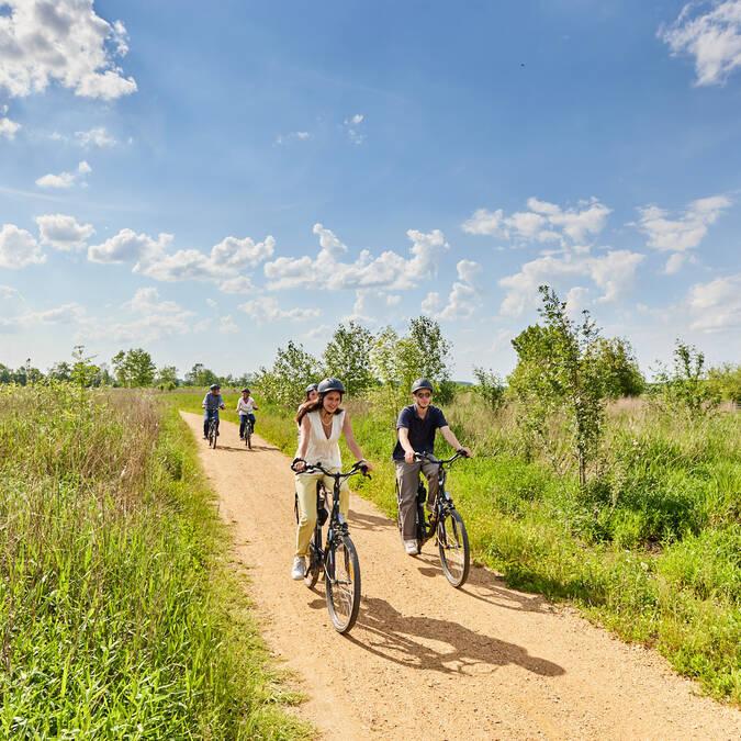 Balade à vélo sur le chemin vers Cantenay-Épinard