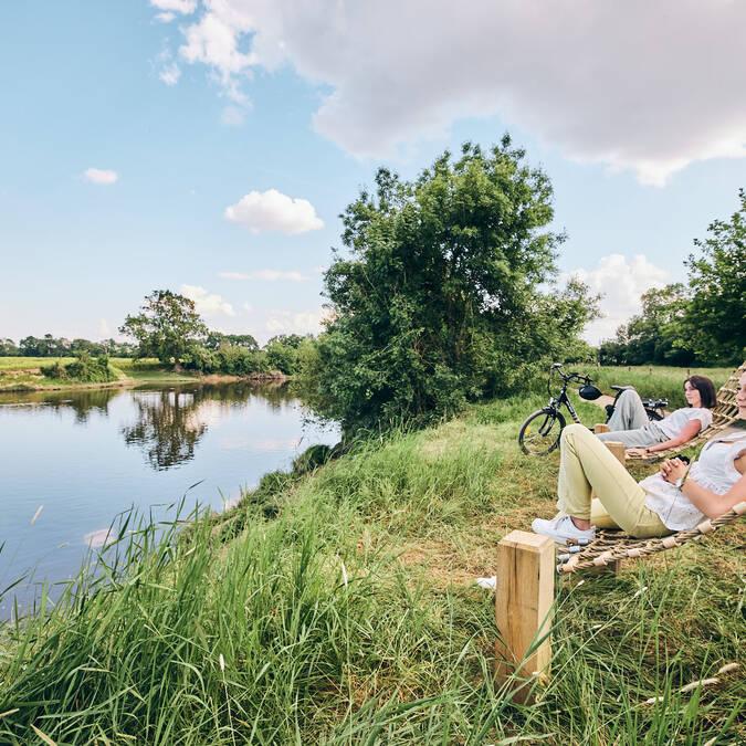 Pause détente au bord de l'eau