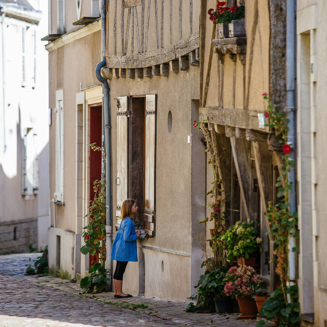 Visit the historic centre of Angers with children © Les Conteurs
