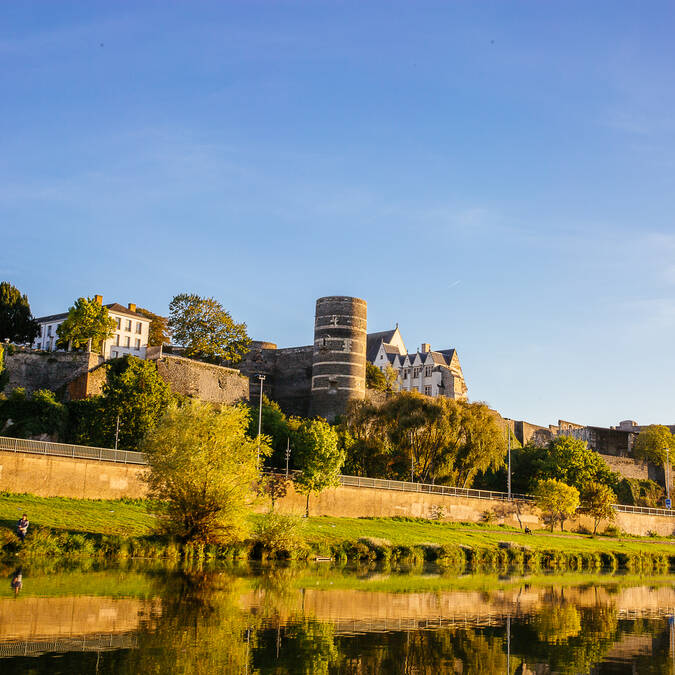 Vue sur le château d'Angers © Les Conteurs