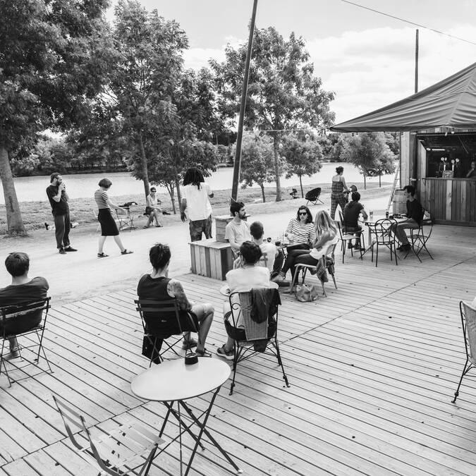Héron Carré riverside café in Angers © Jérémy Fiori
