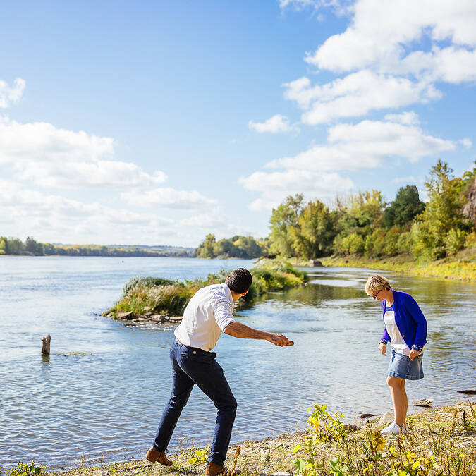Outing on the banks of the Loire – Savennières © Les Conteurs